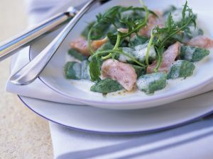 Spinatgnocchi mit Sahnesauce Rezept