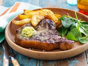 Steak mit Kartoffeln und Kräuterbutter Rezept