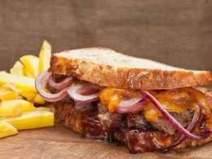 Steak-Sandwich mit Barbeque-Sauce Rezept