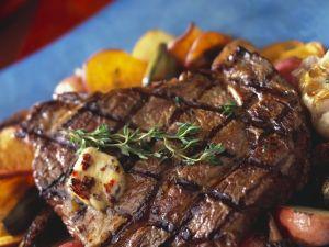 Steak vom Grill mit Gemüse Rezept