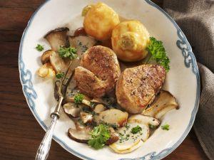 steak vom kalb mit portweinso e rezept eat smarter. Black Bedroom Furniture Sets. Home Design Ideas