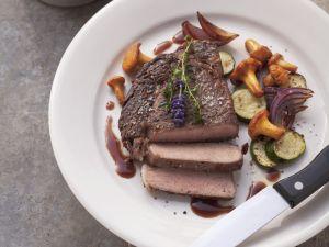 Steak vom Rind mit Eierschwammerl und Zucchini Rezept