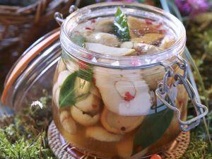 Steinpilze süß-sauer eingelegt Rezept