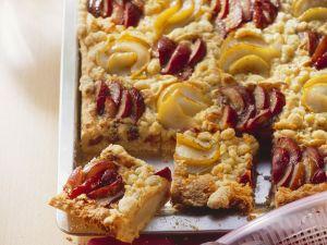 Streuselkuchen mit Zwetschgen und Birnen Rezept