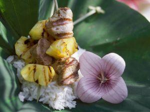 Südseespieße mit Ananas und Lamm dazu Reis Rezept