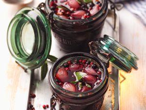 Süß-sauer eingelegte Schalotten Rezept