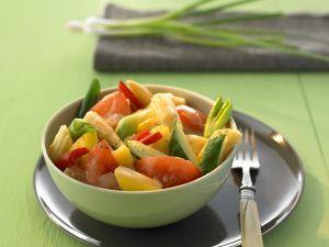 Süß-saures Curry mit Gemüse und Obst Rezept