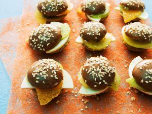 Süße Miniburger mit Kiwi, Mandarine und Frischkäse Rezept