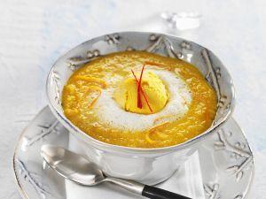 Süße Möhrensuppe mit Mangoeis Rezept