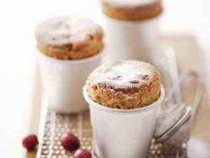 Süße Soufflees mit Cranbeeries Rezept