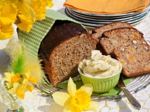 Süßes Brot mit Aprikosen Rezept