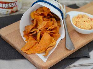 Süßkartoffelchips mit Frischkäsedip Rezept
