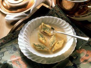 Suppe mit Eierstich Rezept