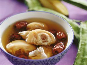 Suppe mit Schweinefüßen Rezept