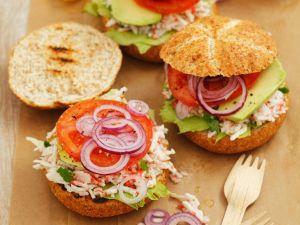 Surimi-Burger mit Zwiebeln Rezept