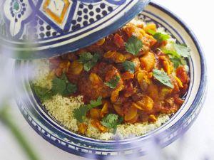 Tajine mit Hähnchen, Trockenfrüchten und Mandeln Rezept