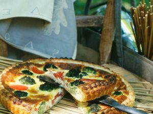 Tarte mit Brokkoli und Tomaten Rezept