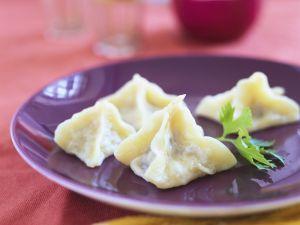 Teigtaschen mit Lammfüllung auf türkische Art Rezept