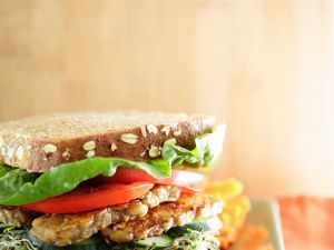 Tempeh-Gemüse-Sandwich Rezept