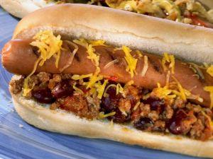 Texas Chili Dog Rezept