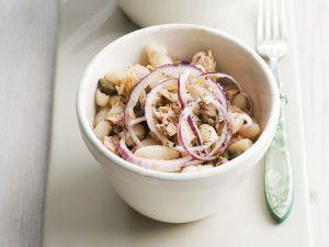 Thunfisch-Bohnensalat mit Zwiebeln Rezept