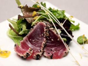 Thunfisch mit grünem Salat Rezept