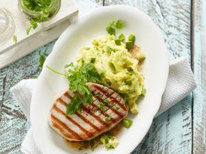 Thunfischsteak mit Avocado-Kartoffelbrei Rezept