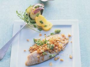 Tilapiafilet mit Kerbel-Nuss-Haube und Rucola-Kartoffelsalat Rezept