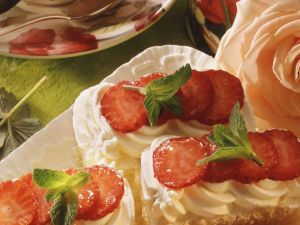 Tiramisu-Kuchen mit Erdbeeren Rezept