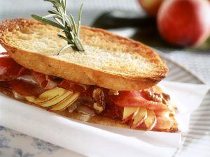 Toast-Sandwich mit Schinken und Nektarine Rezept