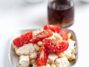 Tofu mit Sojabohnen und Tomaten Rezept