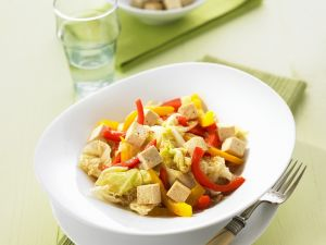 Tofupfanne mit Paprika und Chinakohl Rezept