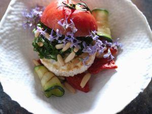 Tomate mit gegrillem Gemüse und Ziegenkäse Rezept