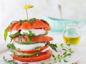Tomate-Mozzarella mit Avocado Rezept