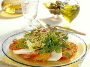 Tomate-Mozzarella mit Orangen und Blattsalat Rezept