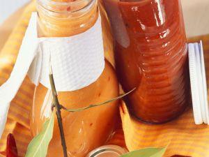 Tomaten-Chili-Sauce und selbstgemachtes Tomatenketschup Rezept