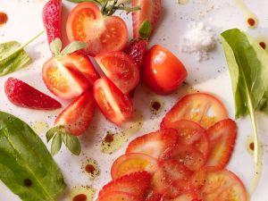 Tomaten-Erdbeersalat Rezept