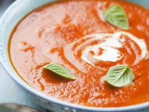 Tomaten-Karotten-Suppe mit Zwiebeln und Balsamico Rezept