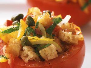 Tomaten mit Panzanella Rezept