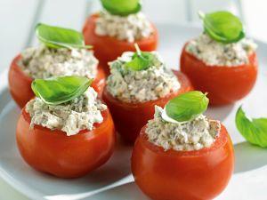 Tomaten mit Ricotta und Bacon gefüllt Rezept