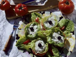Tomaten mit Salatfüllung Rezept