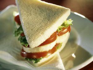 Tomaten-Mozzarella-Sandwich Rezept
