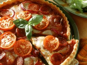 Tomatenquiche mit Mozzarella und Paprikawurst Rezept