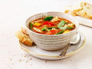 Tomatensuppe mit Nudeln Rezept
