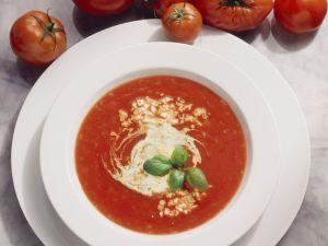 Tomatensuppe mit Pecorino Rezept