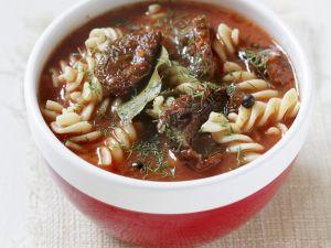 Tomatensuppe mit Spiralnudeln Rezept