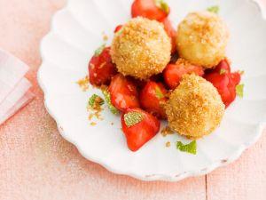 Topfenknödel mit Erdbeeren Rezept