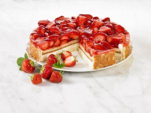Torte mit Erdbeeren Rezept
