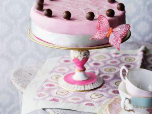 Torte zu Ostern mit Schokoladenkugeln Rezept