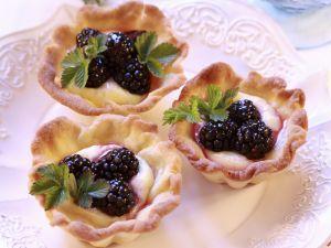 Tortelett mit Vanillecreme und Brombeeren Rezept